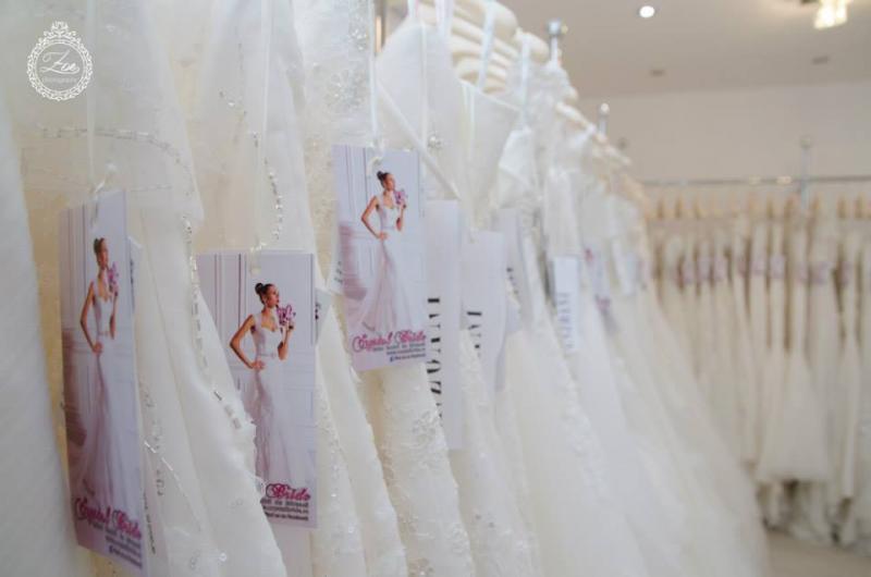 415fd0cb0 A Crystal Bride szalonról